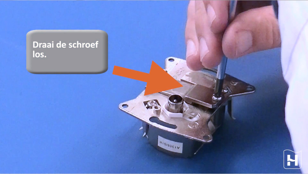 Bekijk hier de montagevideo hoe je een Signaal Overname Punt moet monteren